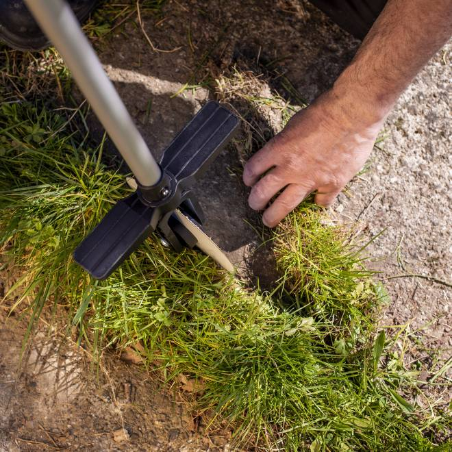 UPP Rolling Lawn Edger Tool